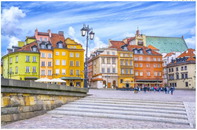 FLIGHTS, ACCOMMODATION AND MOVEMENT IN WARSAW